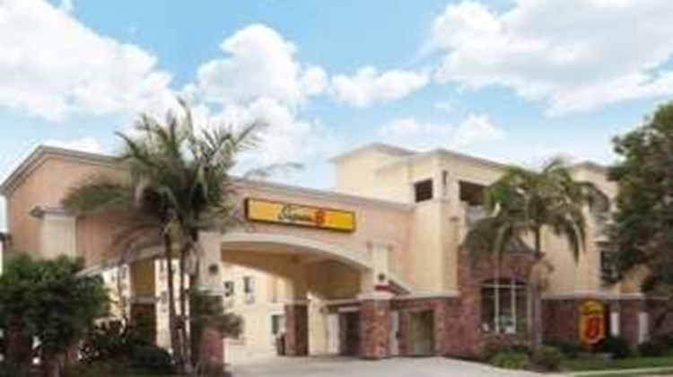 Super 8 Torrance LAX Airport Area Exterior