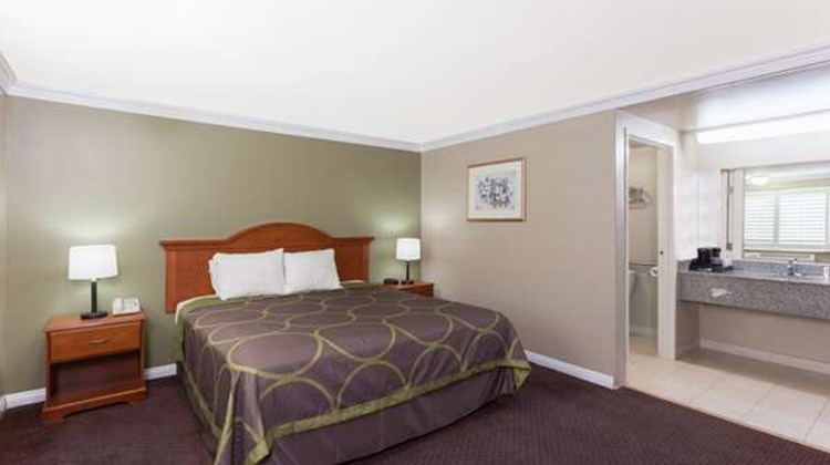 Super 8 Torrance LAX Airport Area Room