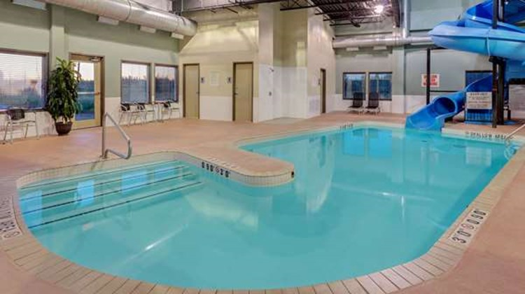 Super 8 Kapuskasing Pool
