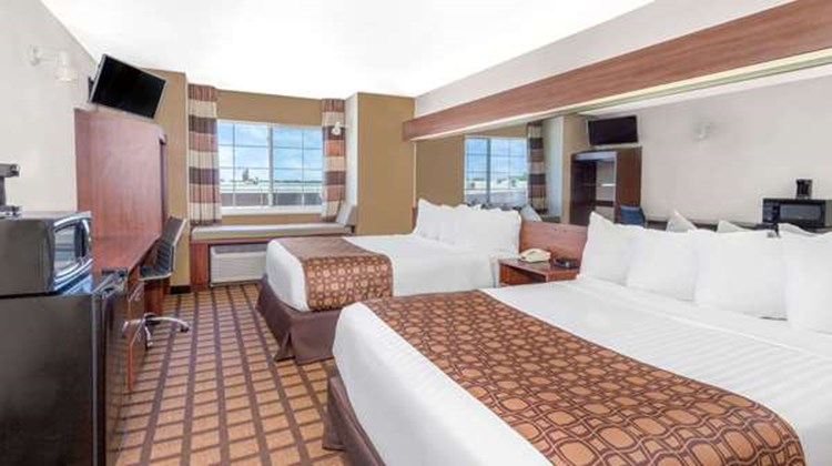 Microtel Inn/Suites by Wyndham Green Bay Room