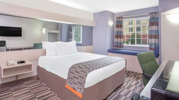 Microtel Inn/Suites by Wyndham Appleton Room