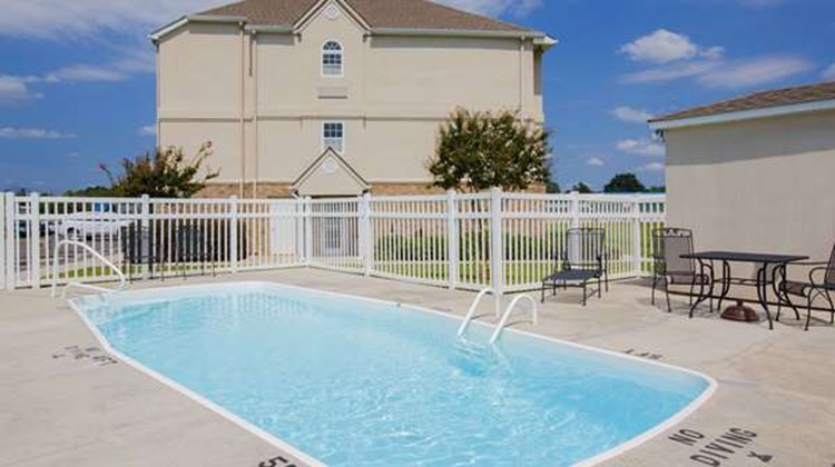 Microtel Inn & Suites Albertville Pool