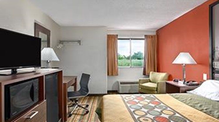 Super 8 West Haven Room