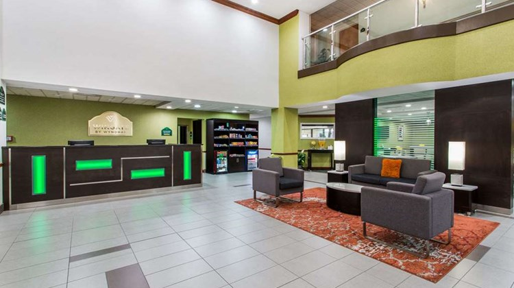 Wingate by Wyndham Panama City Area Lobby