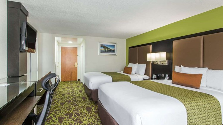 Wingate by Wyndham Panama City Area Room