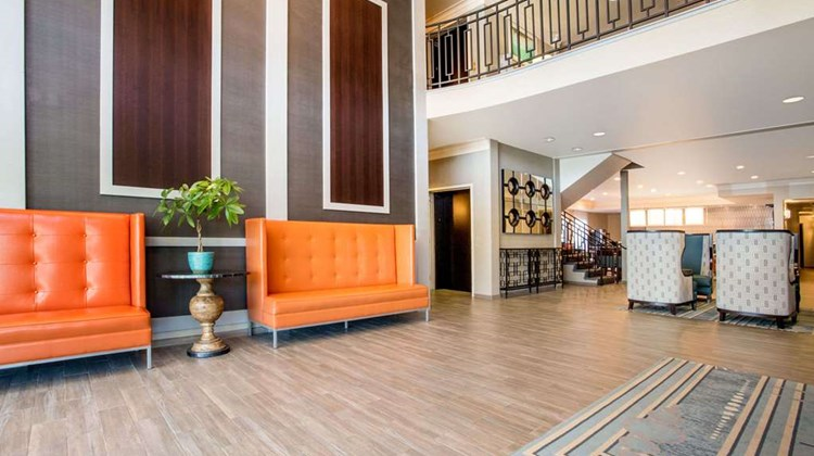 Hawthorn Suites by Wyndham Livermore Lobby