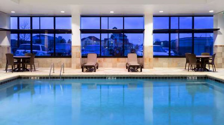 Baymont Inn & Suites Denver Intl Airport Pool