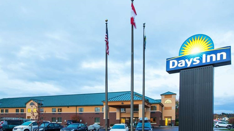 Days Inn Syracuse near Oneida Lake Exterior