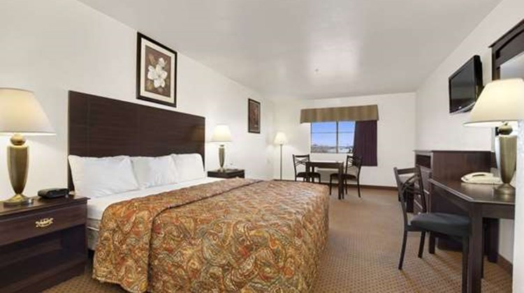 Howard Johnson Lubbock Room