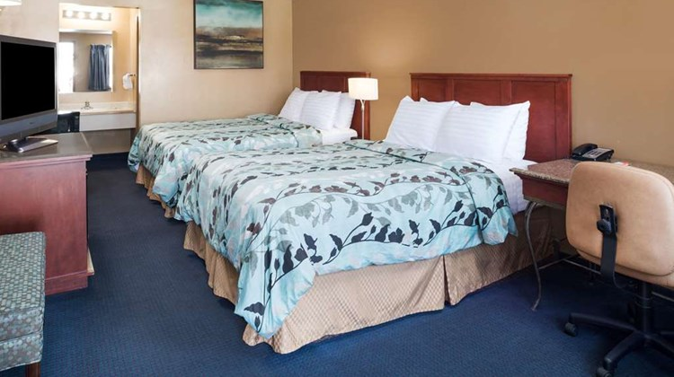 Howard Johnson Boise Airport Room