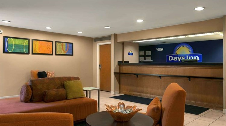 Days Inn Chattanooga/Hamilton Place Lobby