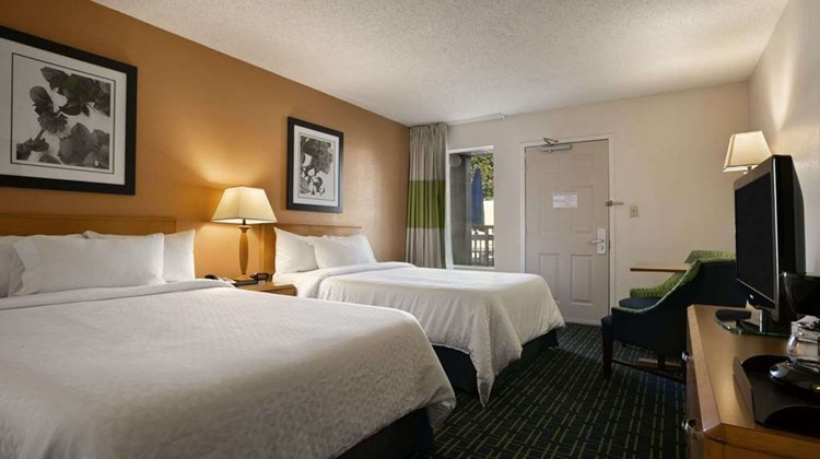 Days Inn Chattanooga/Hamilton Place Room