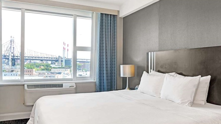 Wyndham Garden Long Island City Room