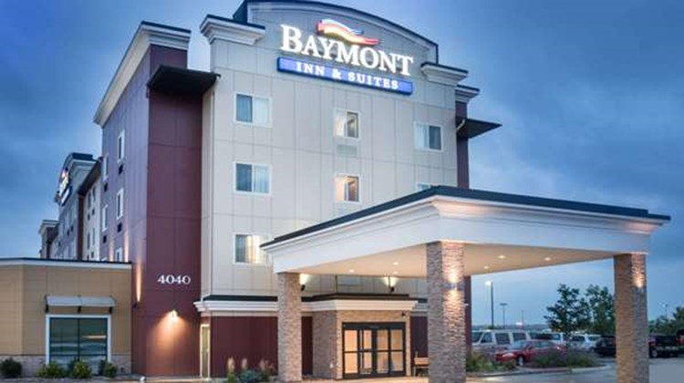 Baymont Inn & Suites Rapid City Exterior