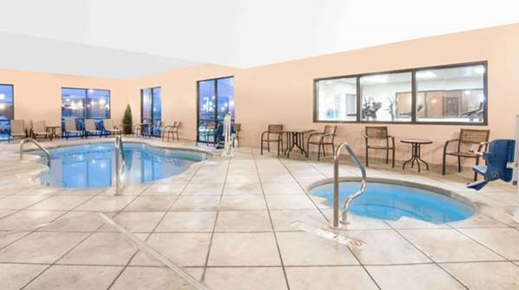 Baymont Inn & Suites Rapid City Pool