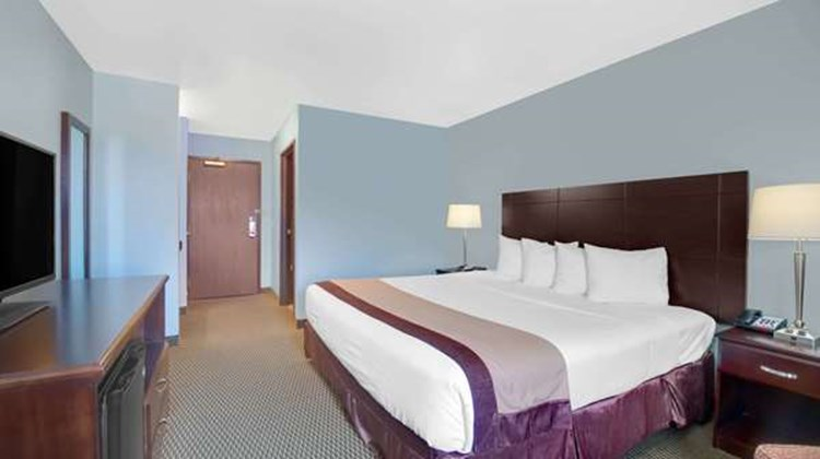 Baymont Inn & Suites Rapid City Room