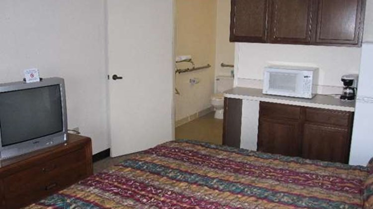Bluegrass Extended Stay Room
