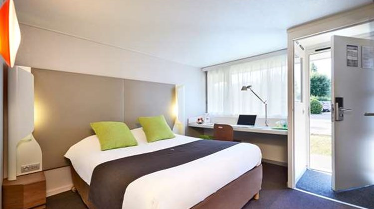 Campanile Hotel Lyon South Room