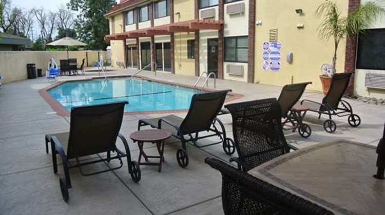 Best Western Town & Country Lodge Pool