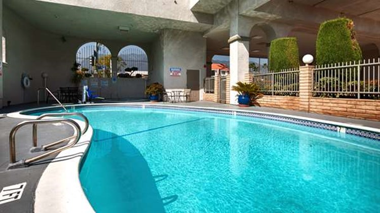 Best Western Pasadena Royale Pool