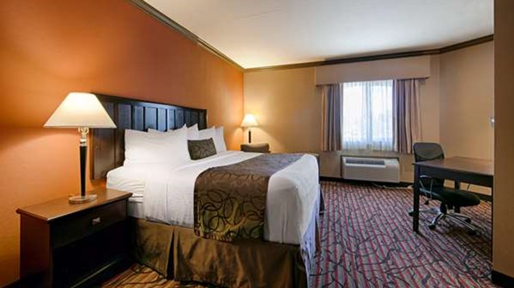 Best Western Plus Brookside Inn Room