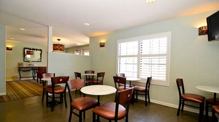 Best Western Plus Stevenson Manor Restaurant