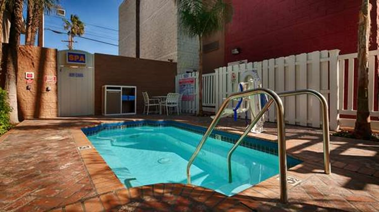 Best Western Plus Carriage Inn Pool