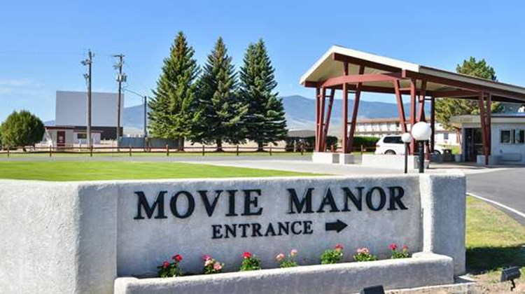 Best Western Movie Manor Exterior