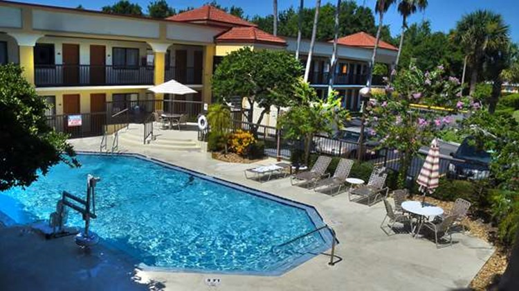 Best Western Orlando East Inn & Suites Pool