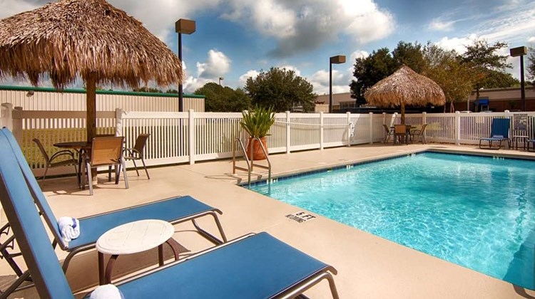 Best Western Auburndale Inn & Suites Pool