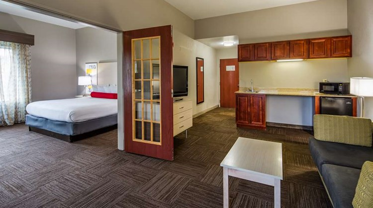Best Western Auburndale Inn & Suites Room