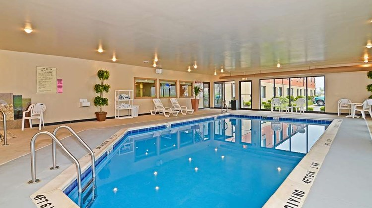 Best Western Chicago Southland Pool