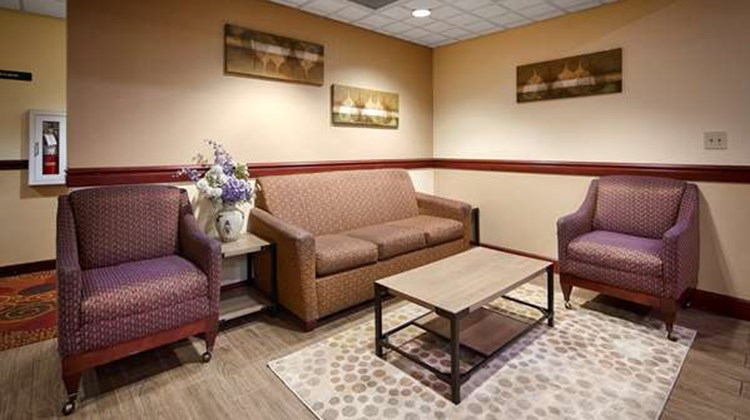 Best Western Airport Suites Lobby