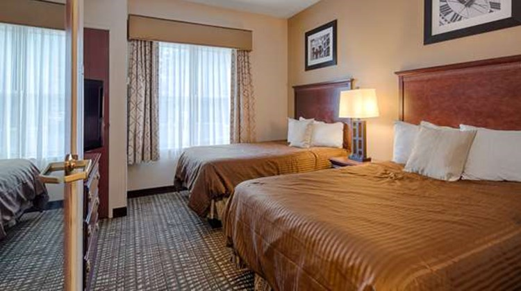 Best Western Airport Suites Room