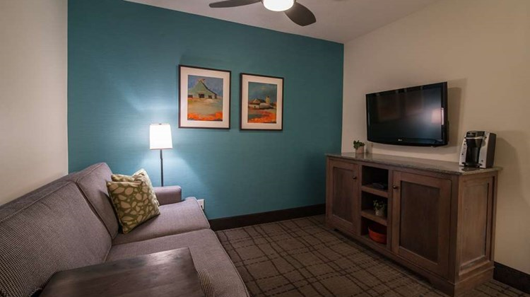 Best Western Plus University Park Suites Suite