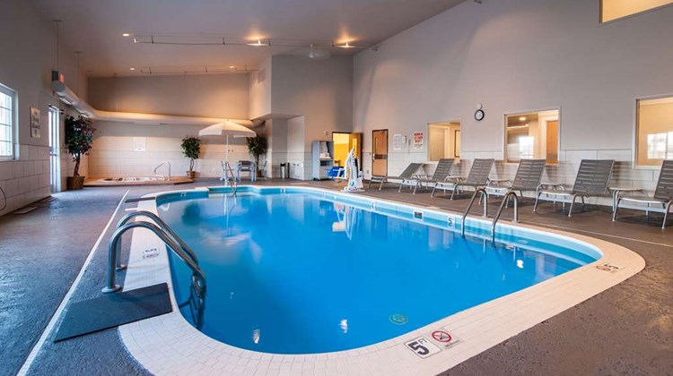 Best Western Plus University Park Suites Pool