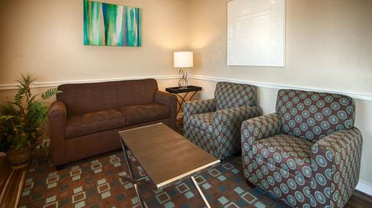 Best Western Governors Inn & Suites Lobby