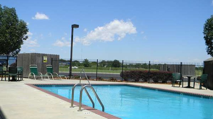 Best Western Governors Inn & Suites Pool