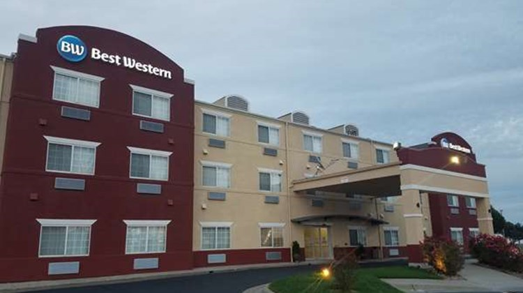 Best Western Governors Inn & Suites Exterior