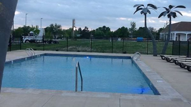 Best Western North Edge Inn Pool