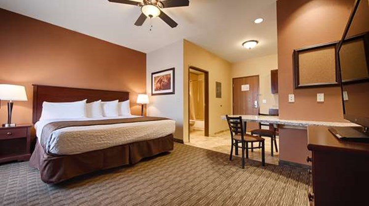 Best Western North Edge Inn Room