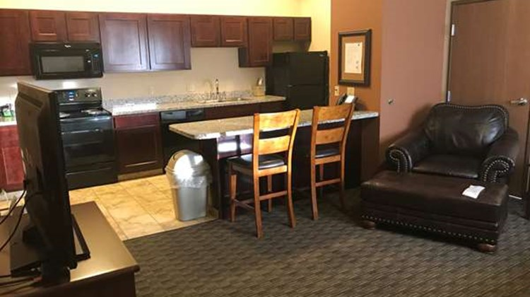 Best Western North Edge Inn Suite