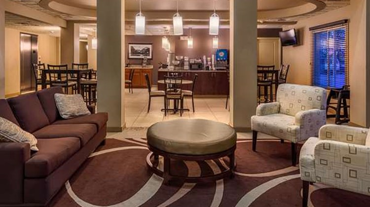 Best Western Plus Chena River Lodge Lobby