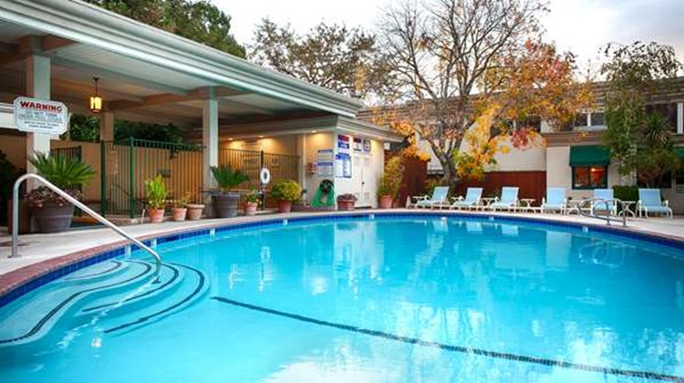 Best Western Plus Black Oak Pool