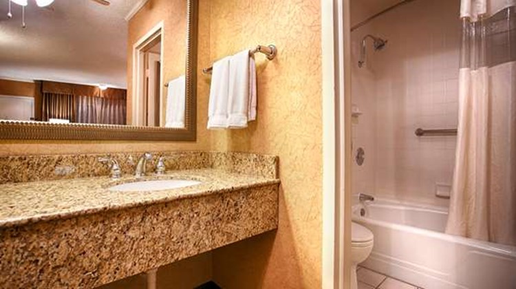 Best Western Plus Black Oak Room