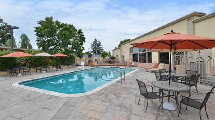 Best Western Petaluma Inn Pool