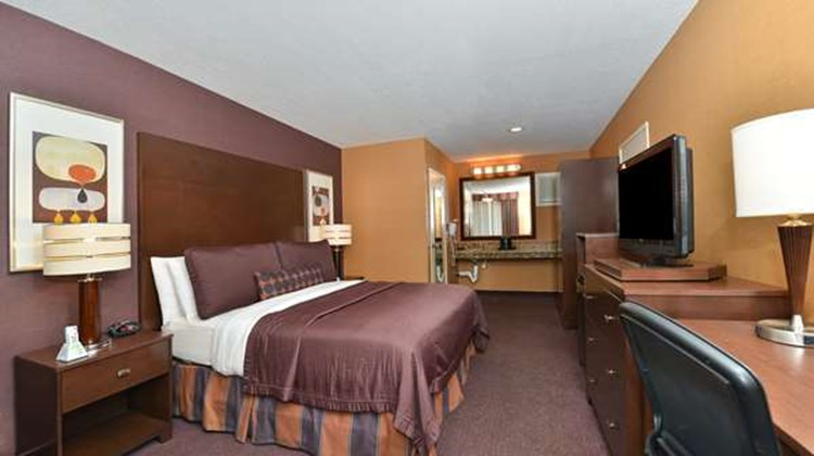 Best Western Plus Stovall's Inn Room