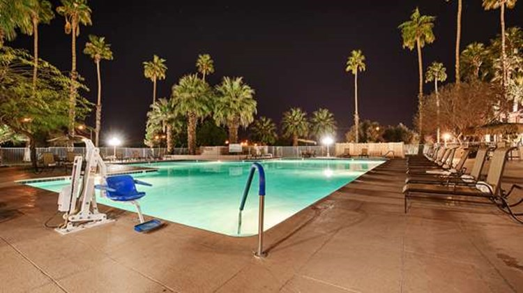 Best Western Date Tree Hotel Pool
