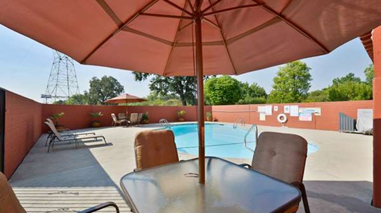 Best Western Anderson Inn Pool