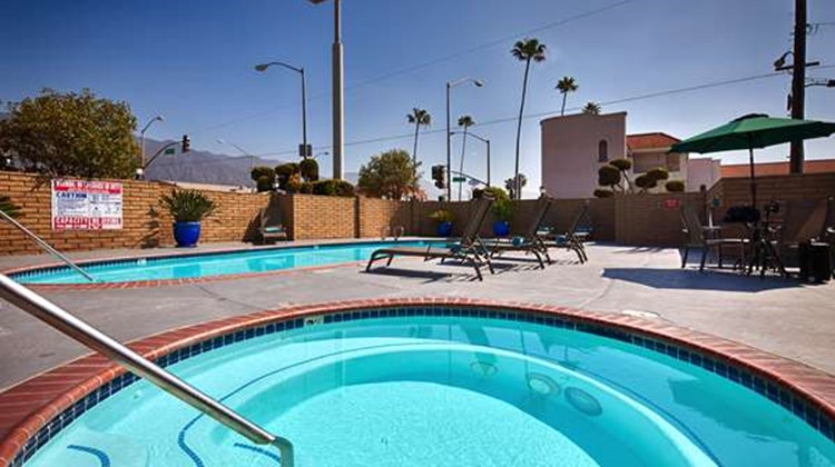Best Western Pasadena Inn Pool
